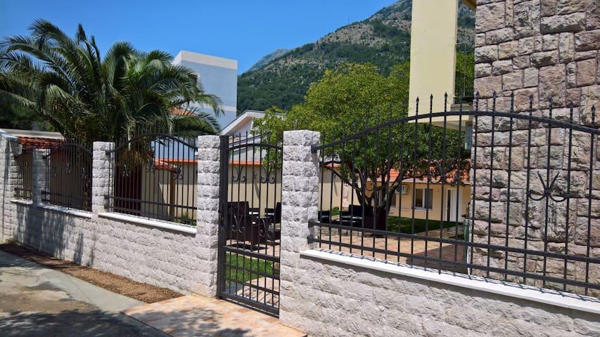 Villa Jagoda, Apartment 1 - Sutomore - Aparthotel