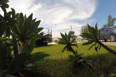 Excelente casa à beira mar - Osorio