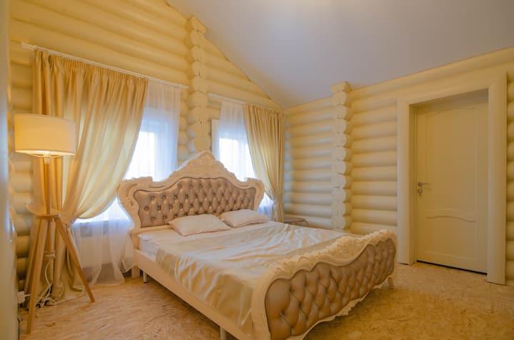 Дом с баней бочкой