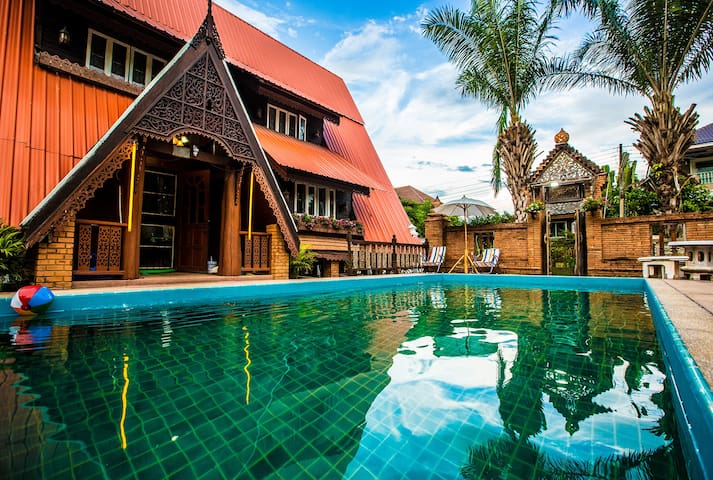 Thai style chalet(Breakfast included)