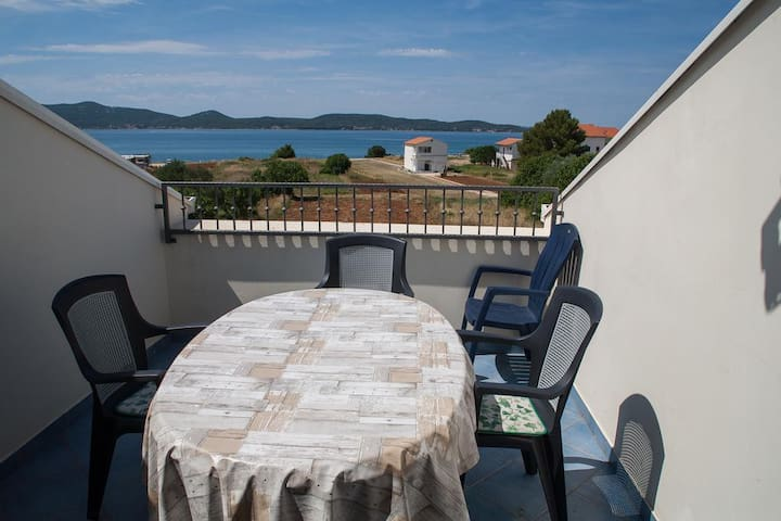 Two bedroom apartment with terrace and sea view Sukošan (Zadar) (A-12313-c)