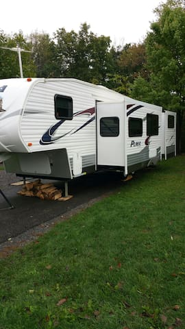 The Perfect Camper for PSU Football - bellefonte - Campingvogn