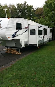 The Perfect Camper for PSU Football - bellefonte - Autocaravana
