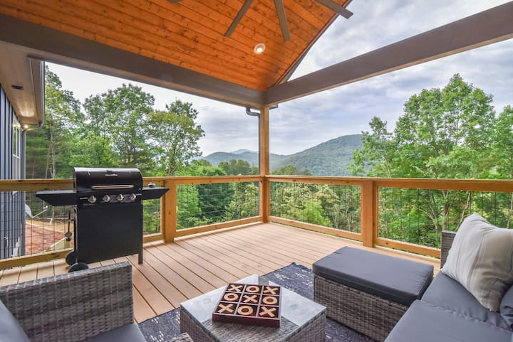 Asheville Mountain Retreat with Incredible Views