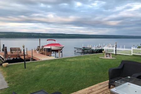Seneca  Lake Waterfront Cottage