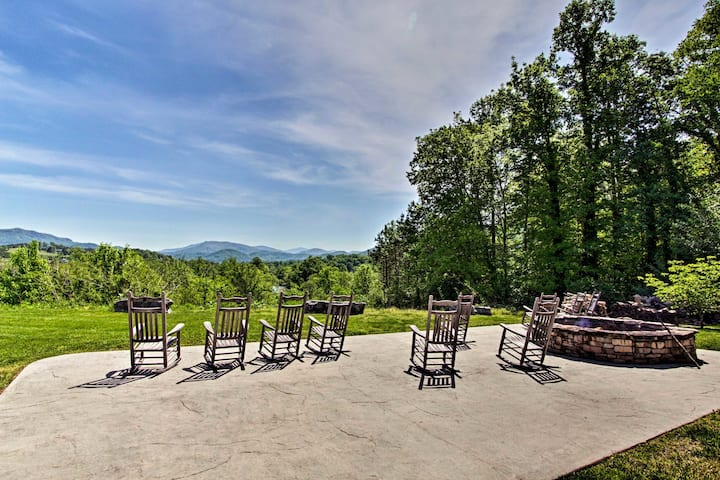 Smokies Sanctuary w/ Mountain Views & Resort Perks