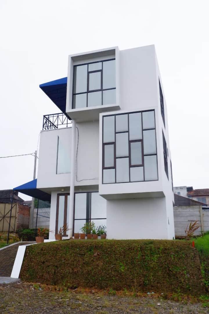 3 BR Modern Luxury Villa Albasia-The Qubix Resort