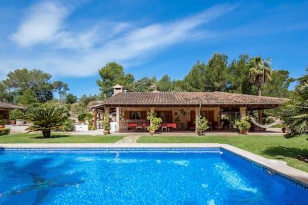 Villa Bon Pas · Gorgeous villa w/ pool near beach - Mal Pas-Bon Aire - Villa