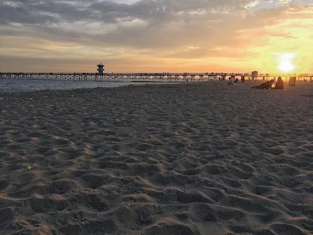 Beach Cottage - Great location in Seal Beach! - Seal Beach - Lejlighed