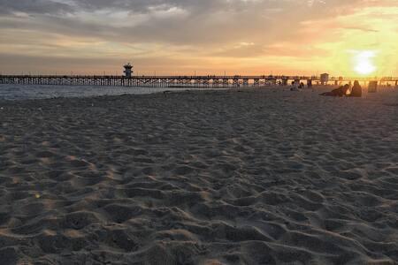Beach Cottage - Great location in Seal Beach! - Seal Beach - Wohnung