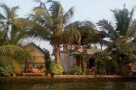 white house home stay - Alappuzha - Bed & Breakfast