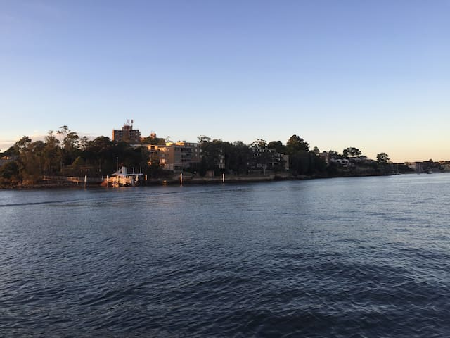 Stylish relaxing apartment on the Sydney river - Chiswick - Huoneisto