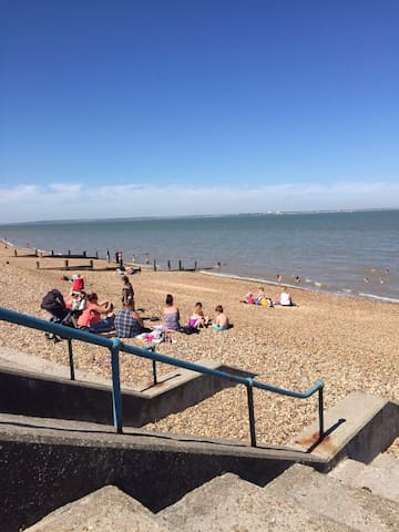 1 bed Des Res near beach - Sheerness - Apartamento