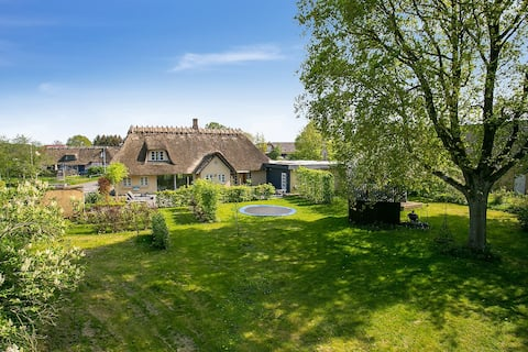 Large Beautiful Country Home Near Odense C
