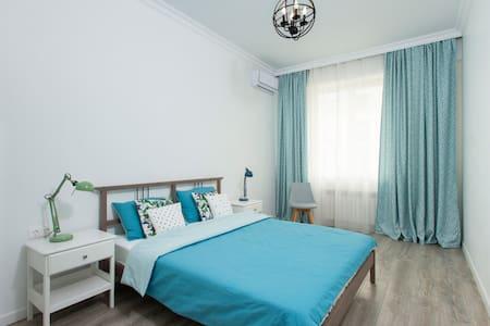 Cozy, clean apartment Mega Centre (Gagarin Park).