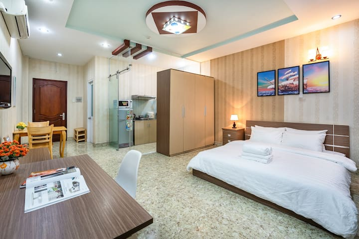 Apartment in Ben Thanh!!! Walk to Anywhere LT-06