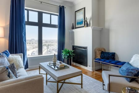 Live + Work + Stay + Easy | 3BR in Glendale