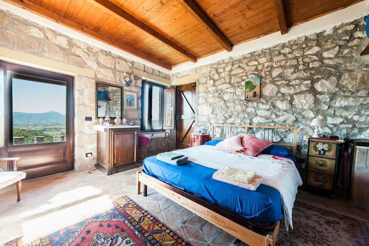 "Suite ""Romeo e Giulietta"" with panoramic terrace"