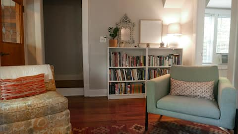 Quiet & Historic. Lovely Uptown Home