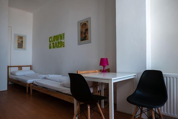 Twin en suite room in a legendary Žižkov hostel