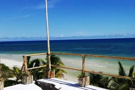 Top Floor BeachSide Studio Endless Caribbean Views