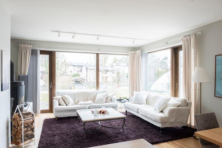 Modern 6br Home in Serene Kulosaari