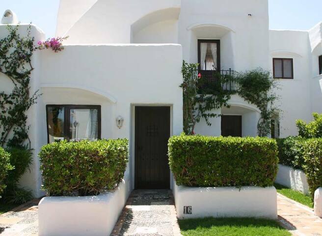 Estepona-Villacana. Studio avec grandes terrasses et près de la mer