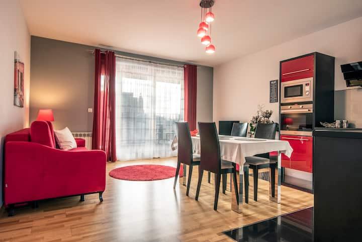 Corner, 1 bedroom, FREE GARAGE, AC, 45m2, Max.4PPL