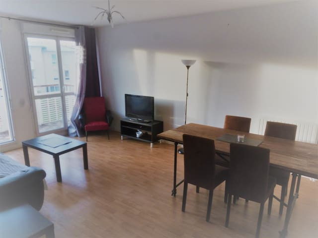 Paris La Defense 25min / 3 Bedroom Apartment