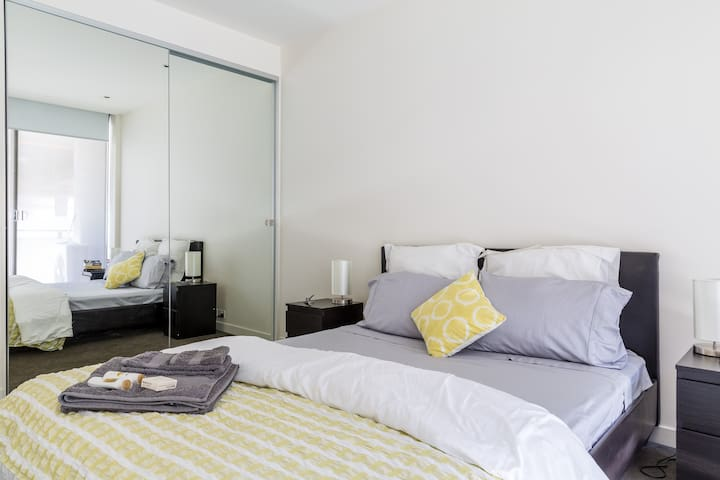 Best location in Melbourne in stylish apartment