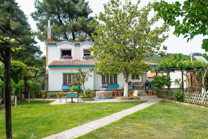 VILLA PILIS | close to beach & Saint John Rossos