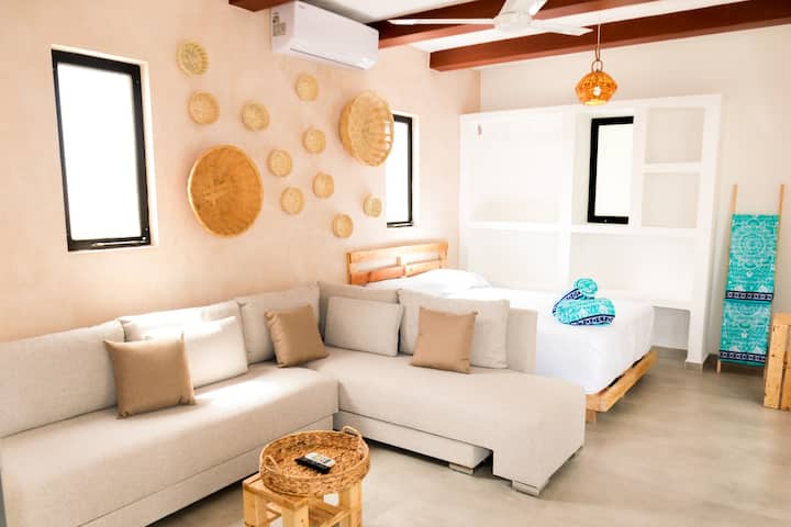 Boho Chic Loft (Comfortable) with Pool - NEW (6)