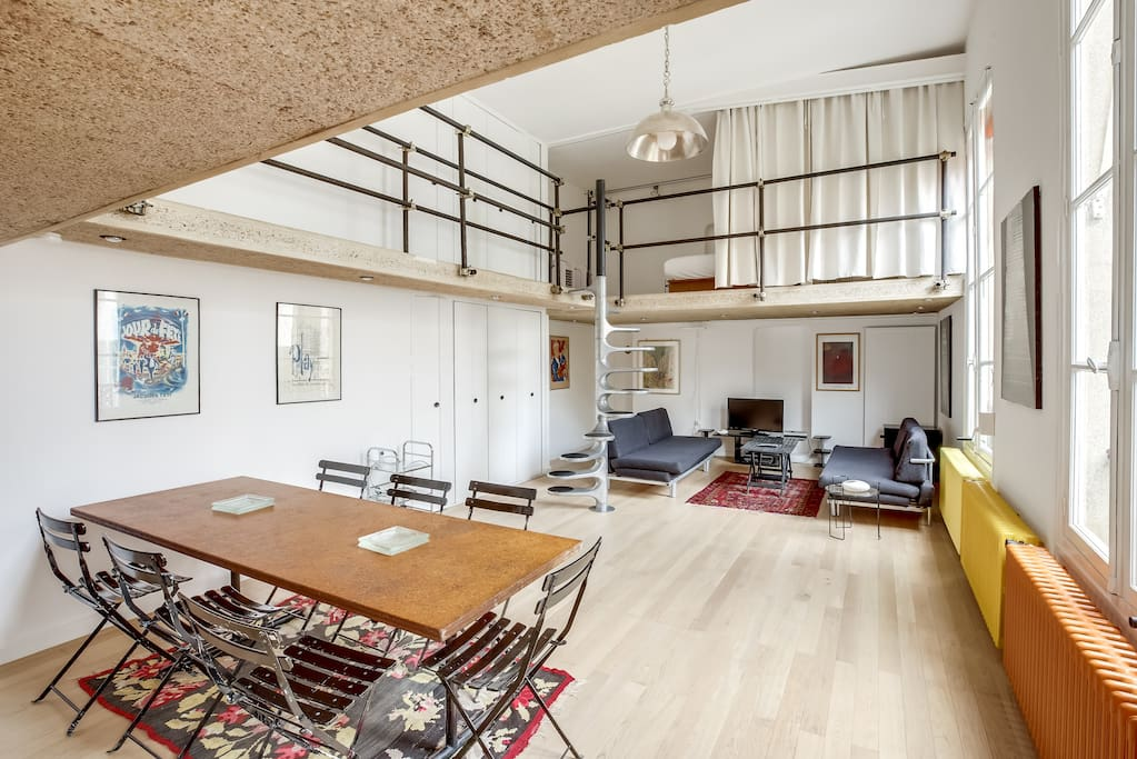 Loft atypique au c ur de paris appartements louer for Location local commercial atypique paris