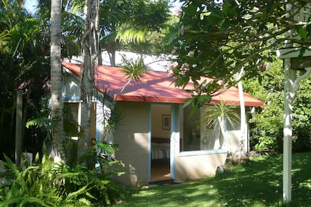 Studio in tropical garden in Byron Bay - Byron Bay