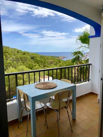 Chic SEA VIEW North Ibiza Apartment, AMAZING VALUE