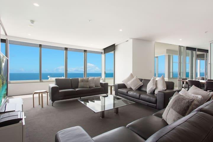 ❤️Sky-High 4 bedroom Residence. WiFi, Ocean + More