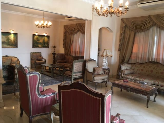 Spectacular 2 Bedroom in the Heart of Cairo