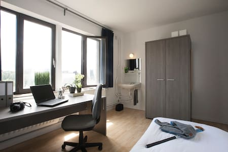 Nice furnished bedroom in Leuven (Heverlee) - Löwen