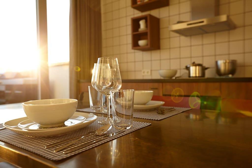 Großer Esstisch für bis zu 6 Gäste