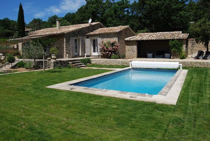 mas des oliviers villa 6 personnes - Gordes - House