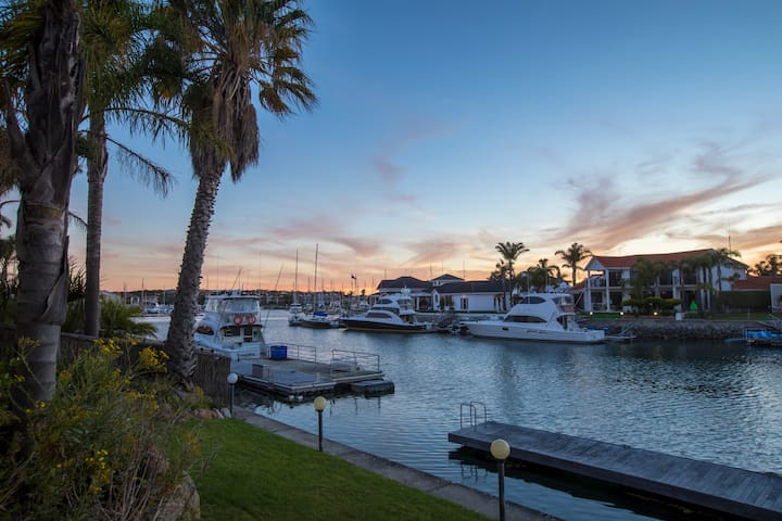 Waterfront Port Lincoln Marina Townhouse
