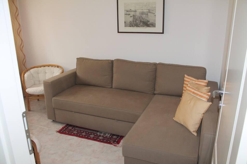 camera con divano letto matrimoniale