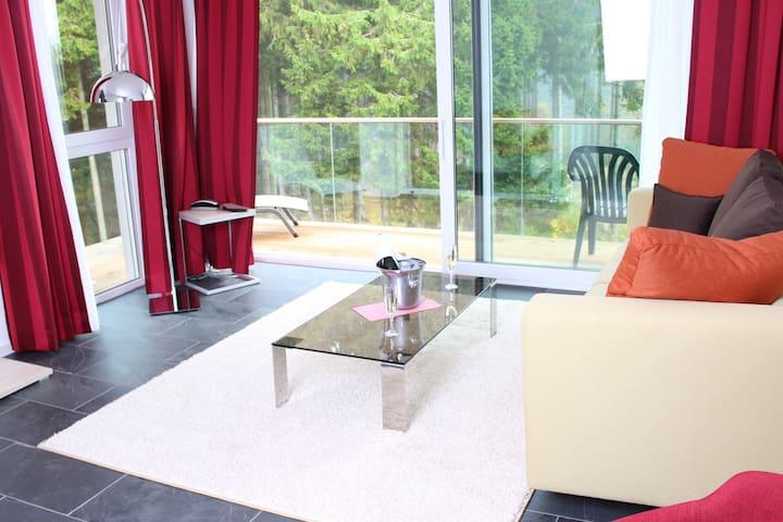 Schwarzwald Lodge Rothaus, (Grafenhausen), Deluxe Suite Superior mit Balkon / Terrasse