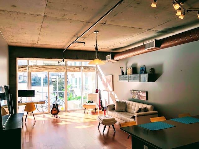 Hip, Modern, Super Convenient Loft in Downtown LA