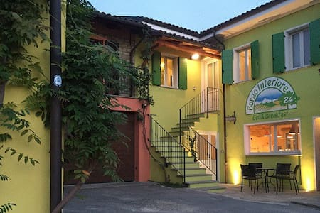 B&B Borgo Inferiore 24-Double room - Lussito - Aamiaismajoitus