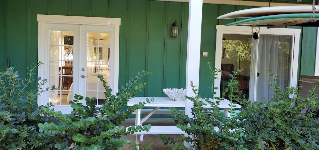 Cute, near beaches and shopping BBPH (Phone number hidden by Airbnb)