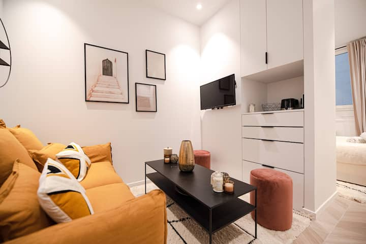 Lovely Home in Champs Elysées - With AC