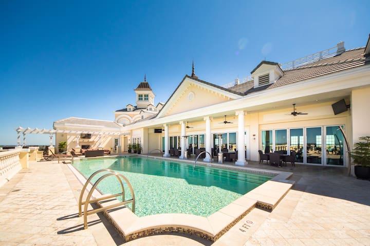Luxury Reunion Resort Condo Close To Disney