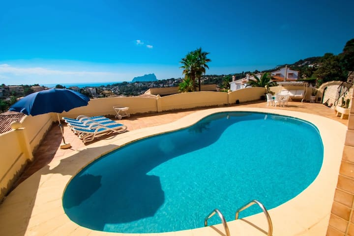 Montemar 53 - beautiful house in pretty grounds with lovely views in Benissa
