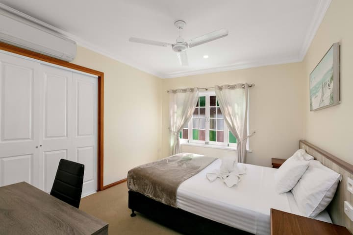 Cairns Central Walking Distance Room 3